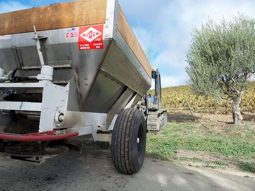 Compost Spreader_mid