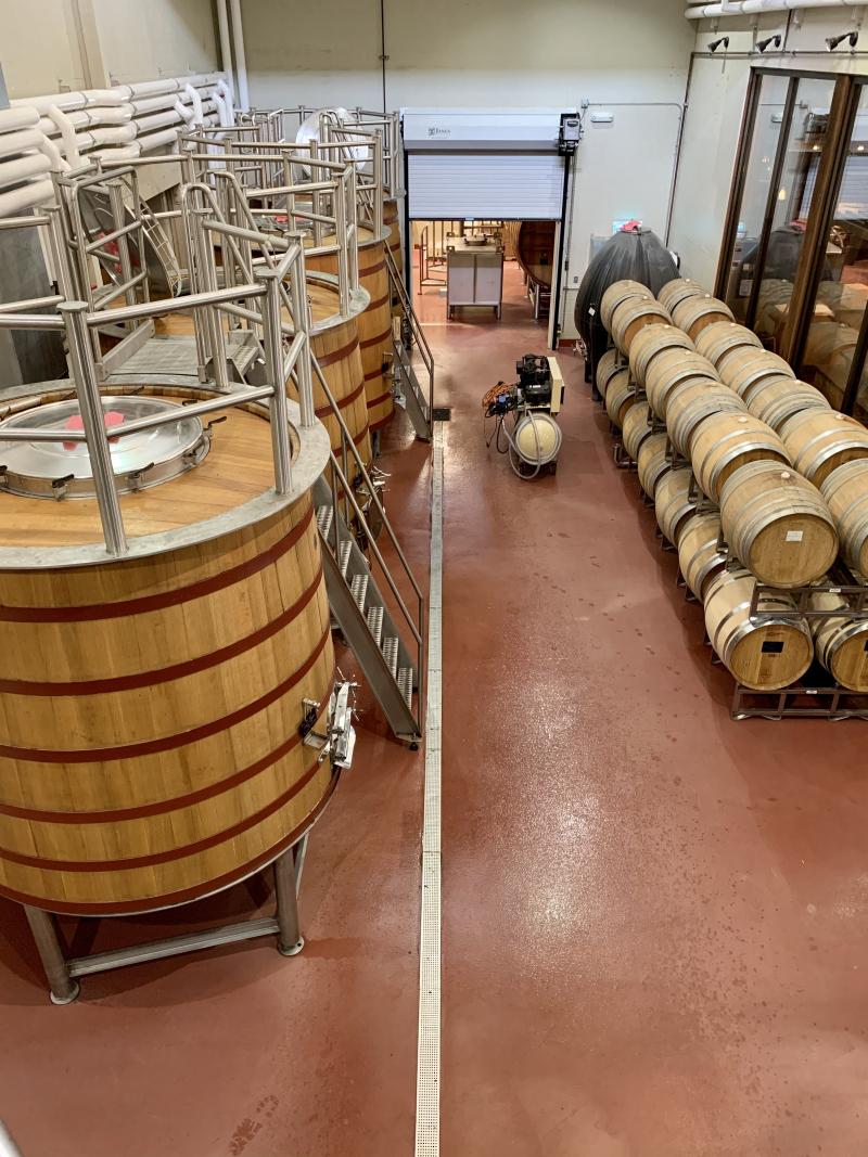 Upright cellar room