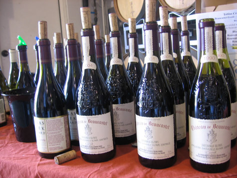 Beaucastel_tablas_bottles