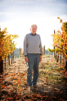 Bob_haas_in_vineyard