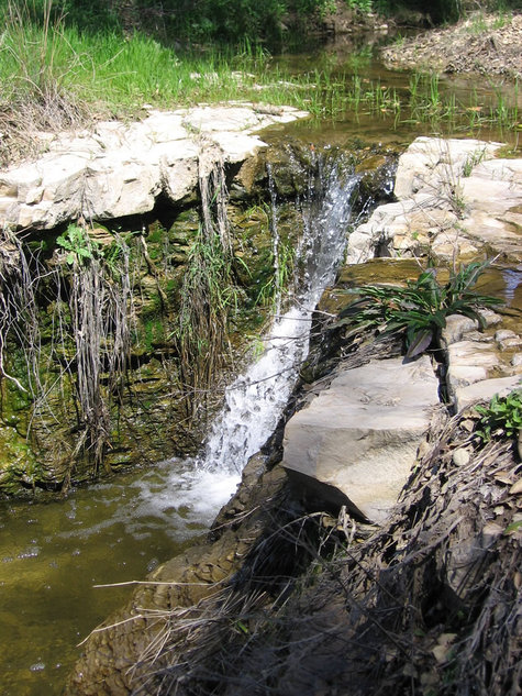 Tablas_creek_waterfall
